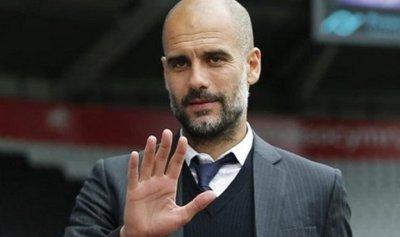 غوارديولا يحسم موقفه من ضم لاعب برشلونة