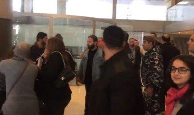 بالفيديو: إشكال داخل مكاتب شركة طيران الشرق الأوسط