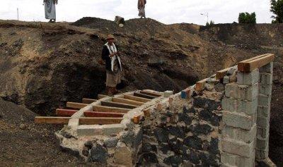 """بالصورة: """"خنادق الحوثيين"""" تصل المديريات ببعضها"""