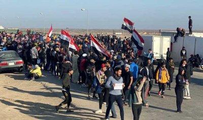 مقتل متظاهرين واختناق العشرات في بغداد
