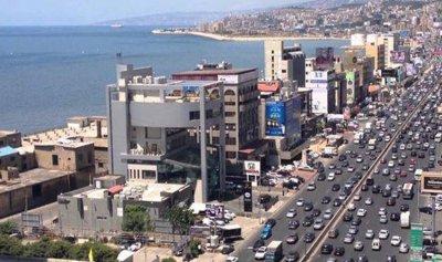 تسرب لمادة المازوت على اوتوستراد جونية باتجاه بيروت