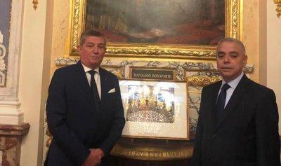 الجمعية العمومية لأعضاء جوقة الشرف في العالم التأمت في باريس