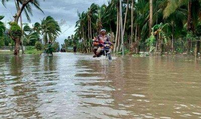 إعصار قوي يجتاح الفلبين