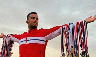 سباح مصري يحلم بلقب الأسرع في العالم