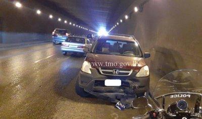 بالصورة: حادث سير في أنفاق المطار