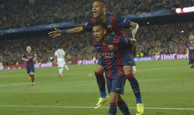 برشلونة يعرض تشكيلته التاريخية من البرازيليين ويستبعد رونالدو