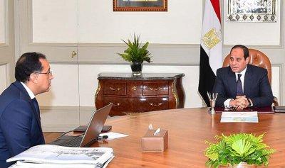 رئيس الوزراء المصري يتفق مع نقيب الأطباء على حل مشكلة الطواقم الطبية