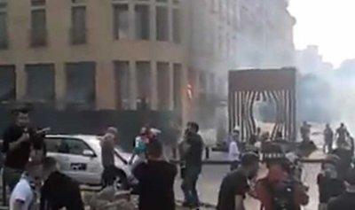 """بالفيديو: احتراق خيمة مدخل فندق """"لو غراي"""""""