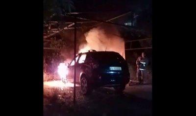 بالصورة: حريق سيارة في المنصورية