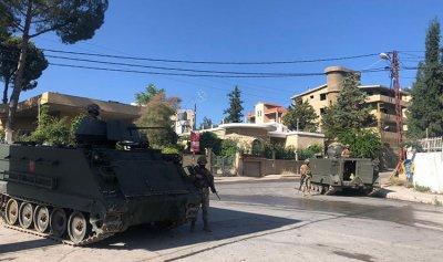 """بالصور: """"الجيش"""" يوقف أحد المطلوبين في بعلبك"""