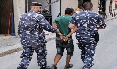 توقيف 12 مشتبهاً فيهم بقيامهم بعمليات سرقة في الأماكن المتضررة