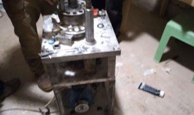 بالصور: آلات لتصنيع المخدرات بمعمل في الشراونة