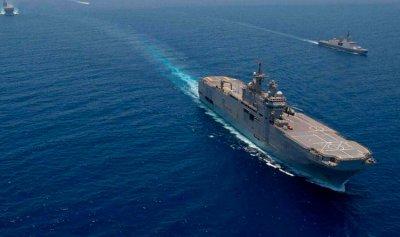 البحرية المصرية تنقذ سفينة تركية على متنها ركاب
