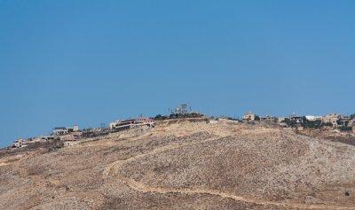 تعزيرات اسرائيلية مقابل بلدة مارون الراس