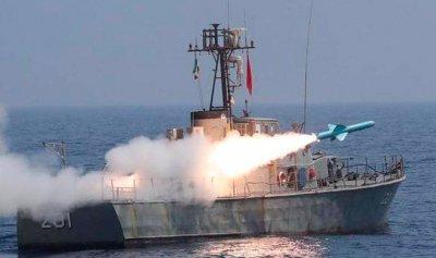 صواريخ إيرانية تسقط قرب حاملة طائرات أميركية