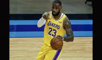 ليكرز يحبط بليكانز بدوري السلة الأميركي