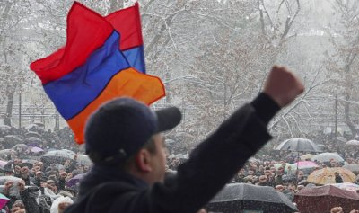 الرئيس الأرمني يدرس طلب باشينيان إقالة قائد الأركان