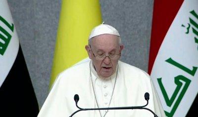 """البابا فرنسيس يستمع لـ""""روايات مؤلمة"""""""