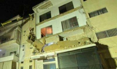 انهيار ثلاث شرفات في مبنى سكني في صور
