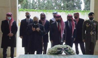 صورة تجمع الأمير حمزة مع ملك الأردن