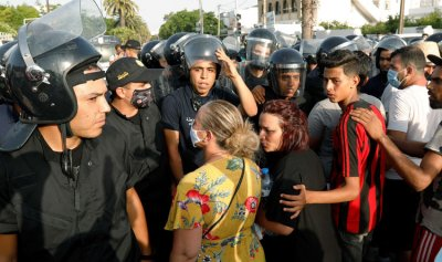 المفتاح المفقود لحل أزمة تونس