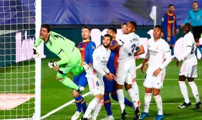 ريال مدريد يسقط برشلونة ويتصدر