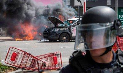 بالصور: مواجهات دموية بين المحتجين والشرطة الاميركية