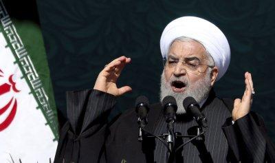 """روحاني يشبه العقوبات الأميركية على إيران بـ""""كورونا"""""""