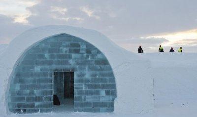 بالفيديو: فندق من الجليد