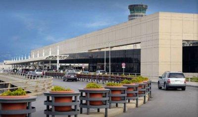 """اعتداء على مراسلة """"النهار"""" في المطار وحذف التسجيلات"""