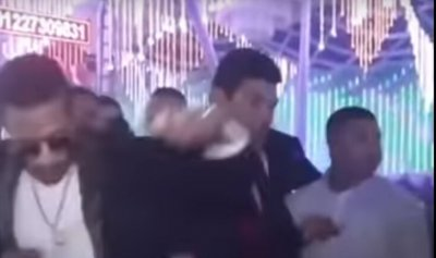 "فيديو ""محرج"" لمحمد رمضان مع ممثل آخر"