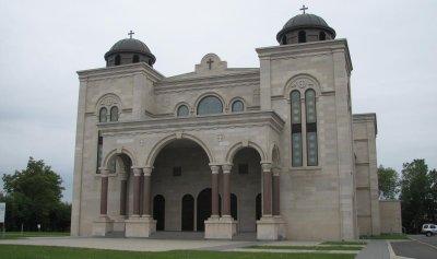 قداس في كاتدرائية المخلص في كندا على نية شهداء انفجار بيروت