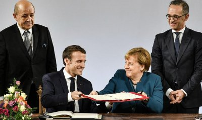 ألمانيا وفرنسا يمهدان لتشكيل جيش أوروبي