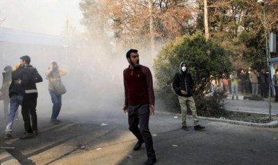 النظام سيسقط بيد الشعب الإيراني ومقاومة الداخل