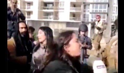 """بالفيديو ـ متظاهرات البقاع: """"دعوسونا رح نبقى هون"""""""