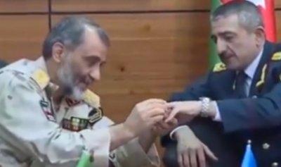 """بالفيديو: زواج """"غريب"""" بين جنرال إيراني وأذربيجاني"""