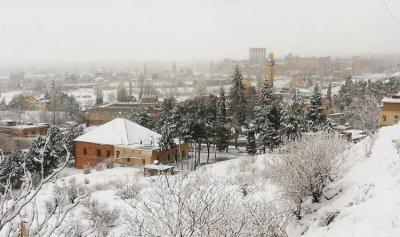 جرافات بلدية بعلبك تولت جرف الثلوج