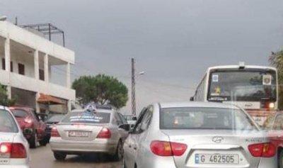 الثوار يقطعون طريق الهيكلية – ضهر العين في طرابلس