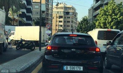 بالصور: قطع الطريق الداخلية في جل الديب