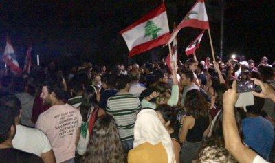 المحتجون في شكا والبترون يبيتون ليلتهم في الخيم