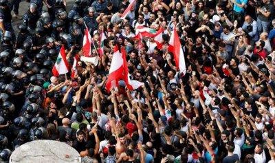 بالفيديو والصور: مشاهير لبنان يدعمون الاحتجاجات