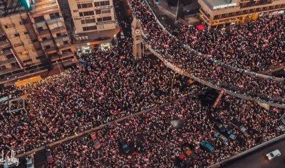 ثورة الانسان في يومها السابع