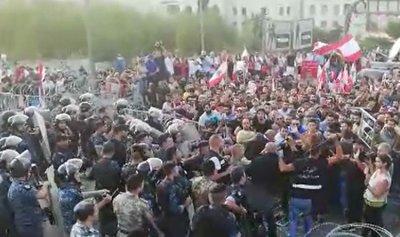 بالفيديو: تدافع بين الجيش والثوار في بعبدا