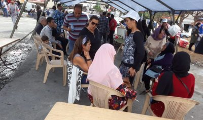 بالصورة: معتصمون نصبوا خيمة عند دوار كفر رمان