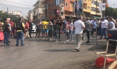 بدء توافد المتظاهرين الى العقبة زغرتا