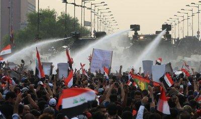 """""""جمعة الصمود"""" في العراق والسيستاني: السلطة واهمة"""