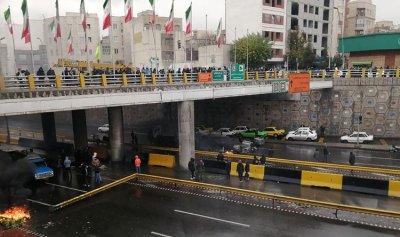 """أعداء إيران """"الحقيقيين"""" ملايين المتظاهرين"""