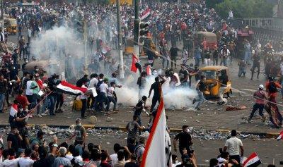 بالفيديو: 6 قتلى في احتجاجات بغداد