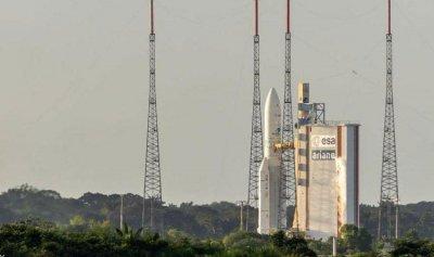 إطلاق أول قمر صناعي مصري للاتصالات