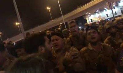بالفيديو: ثوار جل الديب بتعرضون للقمع ويناشدون الناس للنزول